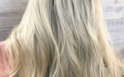 Confixor Liquid Gel and Volumizing Tonic gave this beauty extra body and volume! Complete with a quick spritz of Air Control Light Hold Hairspray.