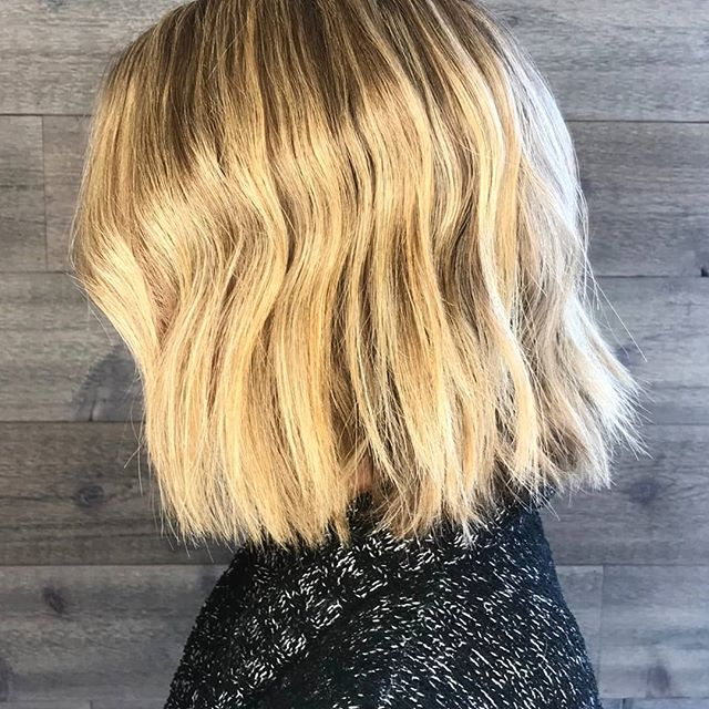 Sun's out, blonde's out! 🌞______________________#instahair #instabeauty #atthesalon #salonlife #hair #hairspiration #hairsalon #haircolor #hairstyles #hairstyling #haircut #carlsbad #sandiego #sandiegohair #carlsbadhair #aveda #avedacolor #avedaproducts #avedaartist #smellslikeaveda #highlights #avedademiplus #dimension #avedaglobalartist #dimensionalblonde #smoothinfusion #aircontrol #blonde