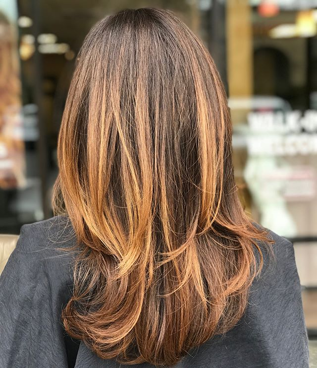Our newest guest came from another salon in need of a color correction and our Aveda Artists nailed it! Swipe to view the transformation._____________________#hair #hairspiration #hairsalon #haircolor #hairstyles #hairstyling #haircut #carlsbad #sandiego #sandiegohair #carlsbadhair #aveda #avedacolor #avedaproducts #avedaartist #smellslikeaveda #avedaraffle #avedagiveaway #autismawareness #autismsupport #autism #demiplus #communitysupport #plazapaseoreal #dimension #highlights #colorcorrection