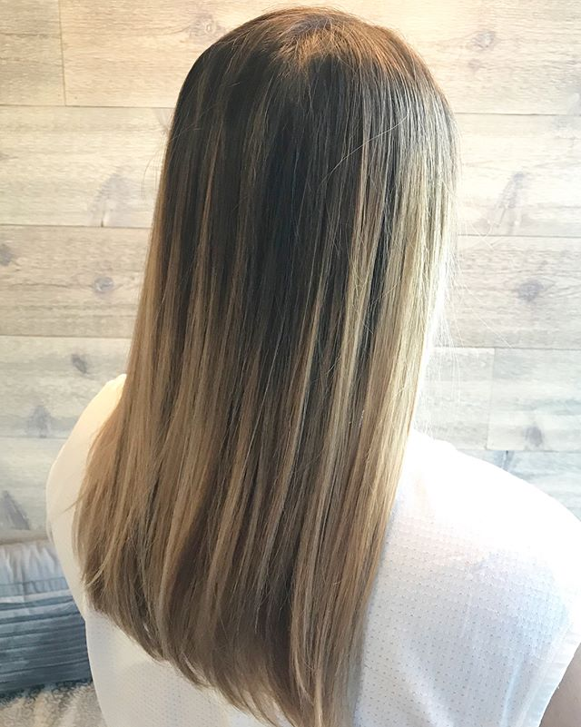 Balayage Babe_________________________________#instahair #instabeauty #atthesalon #salonlife #hair #hairspiration #hairsalon #haircolor #hairstyles #hairstyling #haircut #carlsbad #sandiego #sandiegohair #carlsbadhair #aveda #avedacolor #avedaproducts #avedaartist #smellslikeaveda #balayage #highlights #balayagebabe