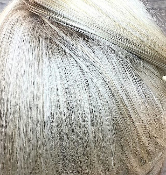 Blonde blonde we love our blondes 🌞🏼‍♀️🏼‍♀️ call today to schedule an appointment to brighten up your day 760-230-4880. Team work makes the dream work !