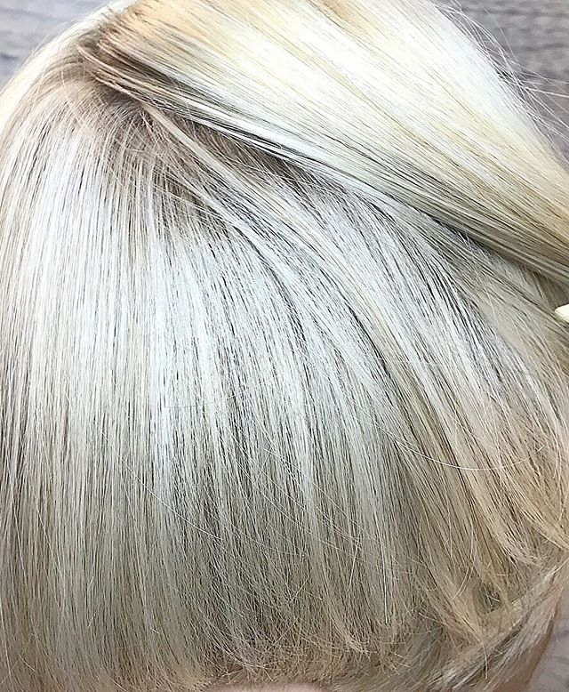 Blonde blonde we love our blondes ??♀️?♀️ call today to schedule an appointment to brighten up your day 760-230-4880 #aveda #avedademiplus #blonde #carlsbad #plazapaseo Team work makes the dream work !