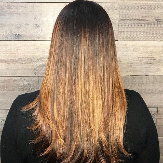 Honey Dipped  __________________________#instahair #instabeauty #atthesalon #salonlife #hair #hairspiration #hairsalon #haircolor #hairstyles #hairstyling #haircut #carlsbad #sandiego #sandiegohair #carlsbadhair #aveda #avedacolor #avedaproducts #avedaartist #smellslikeaveda #balayage #highlights #balayagebabe #honeydippedhair #honeyhighlights