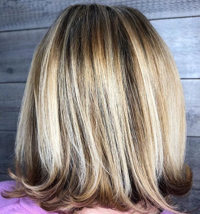 Pistachio's Aveda Artists specialize in formulating a hair color customized just for you, for personalized results every time. ?‍♀️?_________________________________#instahair #instabeauty #atthesalon #salonlife #hair #hairspiration #hairsalon #haircolor #hairstyles #hairstyling #haircut #carlsbad #sandiego #sandiegohair #carlsbadhair #aveda #avedacolor #avedaproducts #avedaartist #smellslikeaveda #highlights #avedademiplus #dimension #michaelianblack #dimensionalblonde #smoothinfusion #aircontrol #blonde