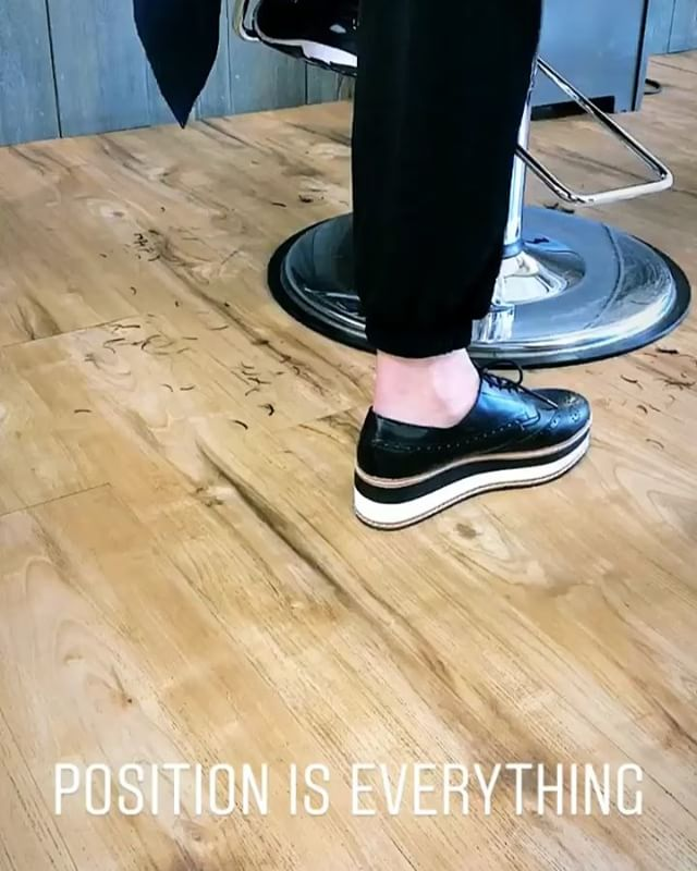 Cutting hair is a delicate dance. Position is everything; each step, pivot, and lunge has a purpose. We love watching our AVEDA Artists dance through their day! ___________________________#instahair #instabeauty #atthesalon #salonlife #hair #hairspiration #hairsalon #haircolor #hairstyles #hairstyling #haircut #carlsbad #sandiego #sandiegohair #carlsbadhair #aveda #avedacolor #avedaproducts #avedaartist #smellslikeaveda #crueltyfree #botanicals #knowwhatyouremadeof #plazapaseoreal
