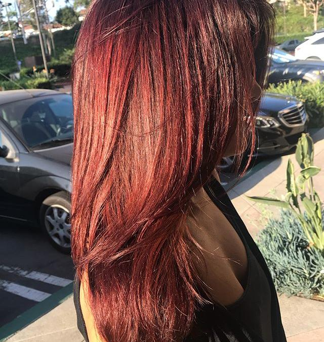 Think you need to go lighter with your color for summer? Some rules are meant to be broken! Swipe for more of this Cherry Cola transformation.🥤