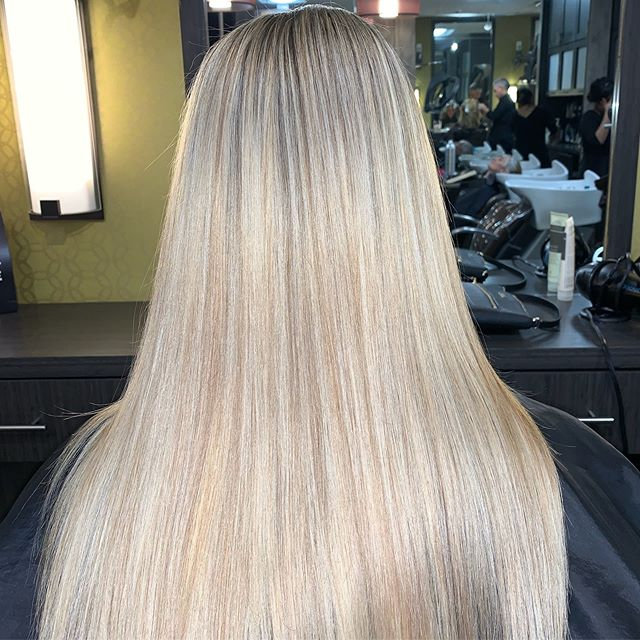 Blonder is better ___________________________#instahair #instabeauty #atthesalon #salonlife #hair #hairspiration #hairsalon #haircolor #hairstyles #hairstyling #haircut #carlsbad #sandiego #sandiegohair #carlsbadhair #aveda #avedacolor #avedaproducts #avedaartist #smellslikeaveda #crueltyfree #botanicals #knowwhatyouremadeof #plazapaseoreal