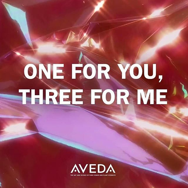 'Tis the season to treat yourself! Buy any three travel products and receive one free! Which Aveda products do you buy for your loved ones AND for yourself?___________________________ #instahair #instabeauty #atthesalon #salonlife #hair #hairspiration #hairsalon #haircolor #hairstyles #hairstyling #haircut #carlsbad #sandiego #sandiegohair #carlsbadhair #aveda #avedacolor #avedaproducts #avedaartist #smellslikeaveda #crueltyfree #botanicals #knowwhatyouremadeof #plazapaseoreal #GiveAveda #AvedaMission#GiveAveda #gifts #holidaygifts #holidaypresents