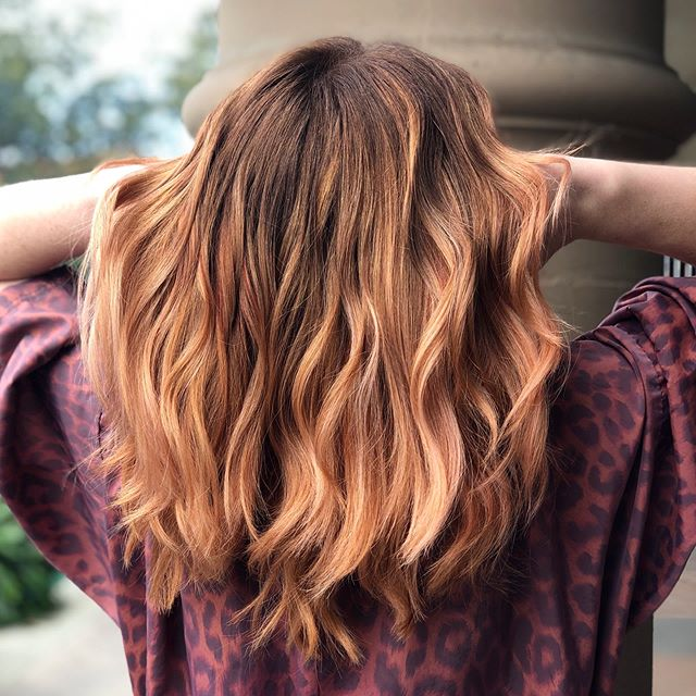 Balayaged this beauty! Swipe for the full transformation. ___________________________#instahair #instabeauty #atthesalon #salonlife #hair #hairspiration #hairsalon #haircolor #hairstyles #hairstyling #haircut #carlsbad #sandiego #sandiegohair #carlsbadhair #aveda #avedacolor #avedaproducts #avedaartist #smellslikeaveda #crueltyfree #botanicals #knowwhatyouremadeof #plazapaseoreal #balayage