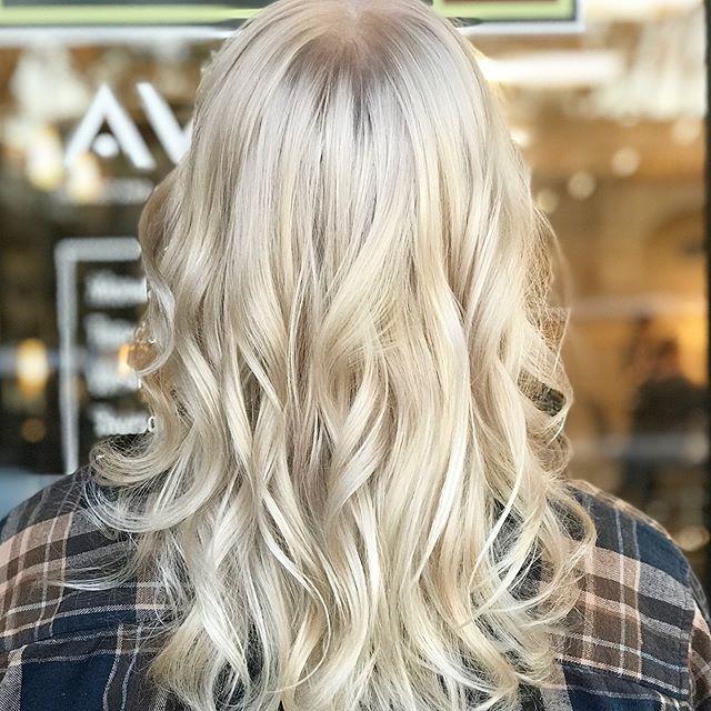 Platinum Perfection___________________________#instahair #instabeauty #atthesalon #salonlife #hair #hairspiration #hairsalon #haircolor #hairstyles #hairstyling #haircut #carlsbad #sandiego #sandiegohair #carlsbadhair #aveda #avedacolor #avedaproducts #avedaartist #smellslikeaveda #crueltyfree #botanicals #knowwhatyouremadeof #plazapaseoreal #blonde #platinum