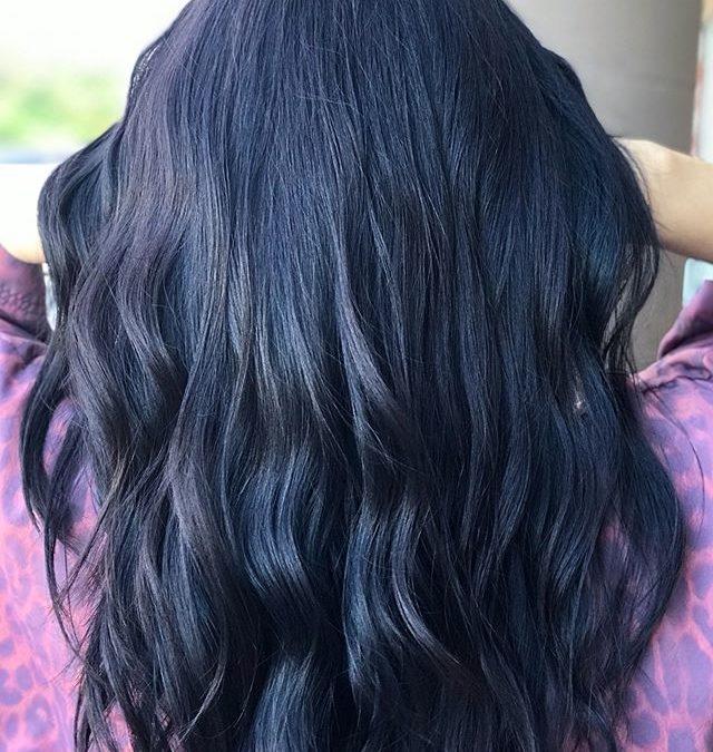 Look at that shine! 🏼___________________________#instahair #instabeauty #atthesalon #salonlife #hair #hairspiration #hairsalon #haircolor #hairstyles #hairstyling #haircut #carlsbad #sandiego #sandiegohair #carlsbadhair #aveda #avedacolor #avedaproducts #avedaartist #smellslikeaveda #crueltyfree #botanicals #knowwhatyouremadeof #plazapaseoreal
